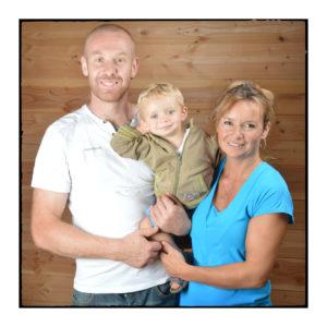 Une famille d'éleveurs heureuse de notre magasin de producteurs à Gilly sur Isère / Albertville