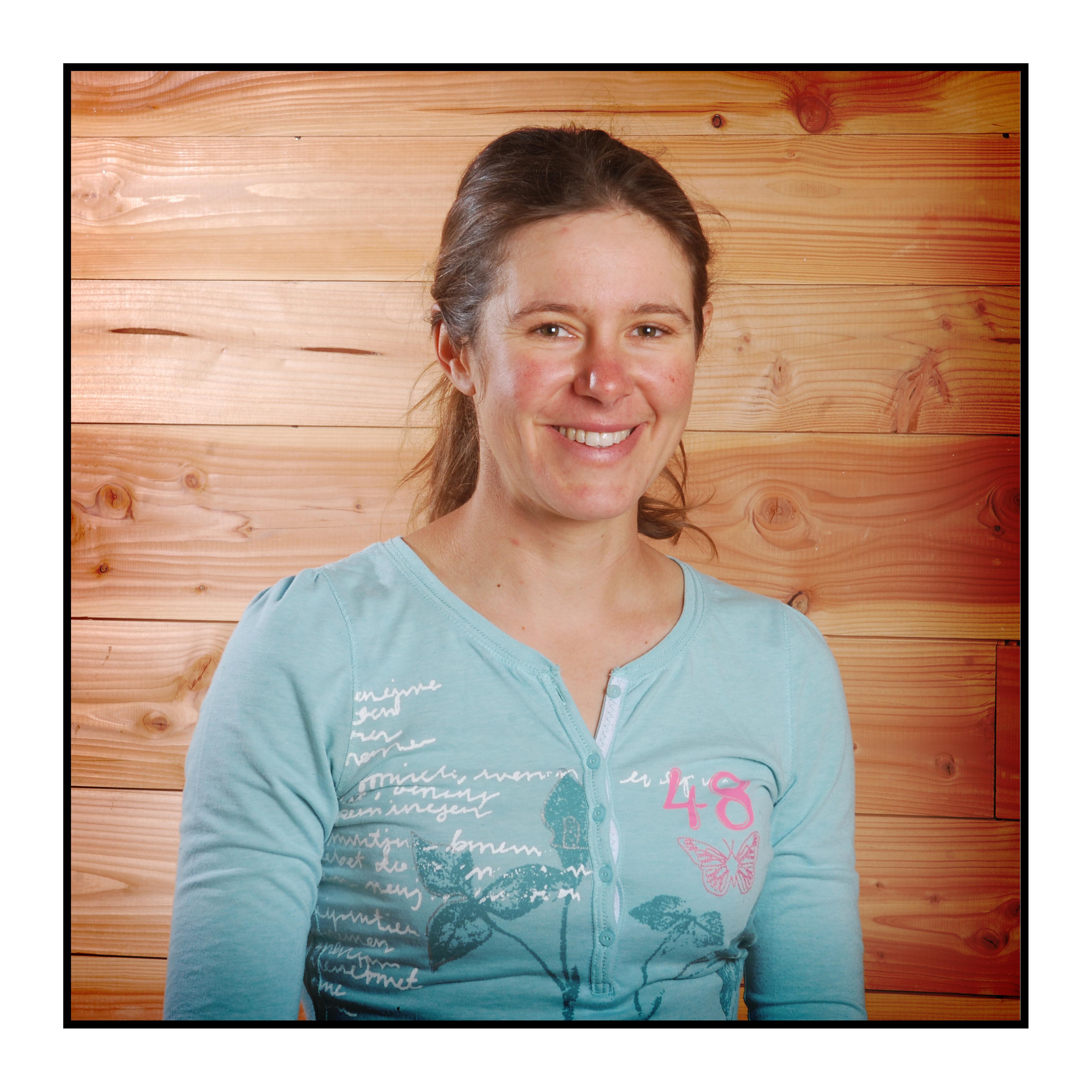 Apicultrice de notre magasin de producteurs à Gilly sur Isère / Albertville