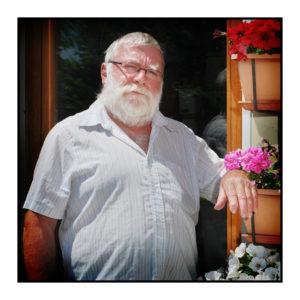 L' héliciculteur de notre magasin de producteurs à Gilly sur Isère / Albertville